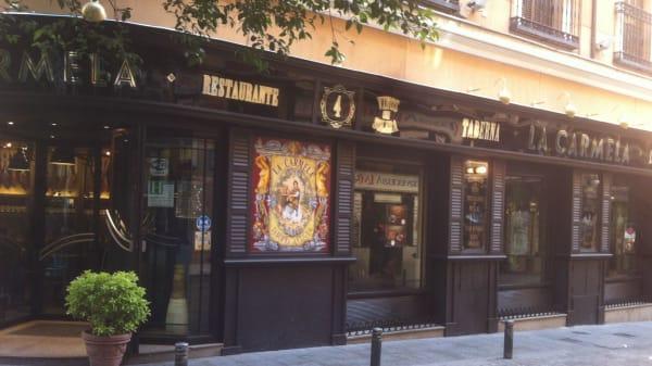 Fachada del establecimiento y entrada - Restaurante La Carmela, Madrid