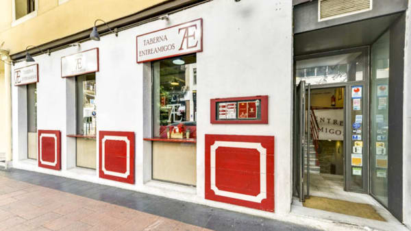 Fachada - Taberna Entreamigos, Madrid