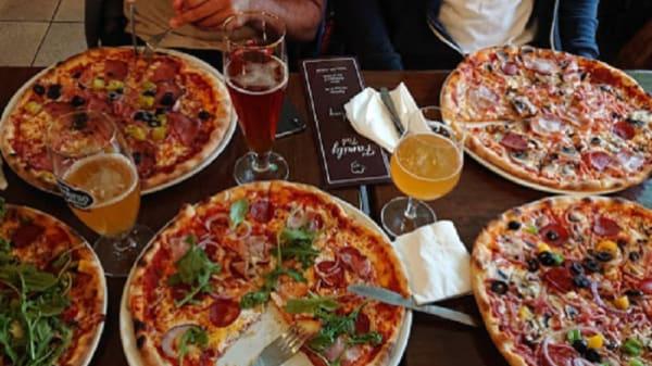 Pizza - Family Pub, Malmö