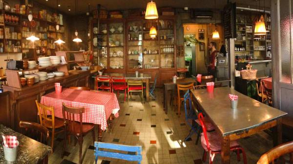 la salle! - L'Épicerie de Ginette, Lyon