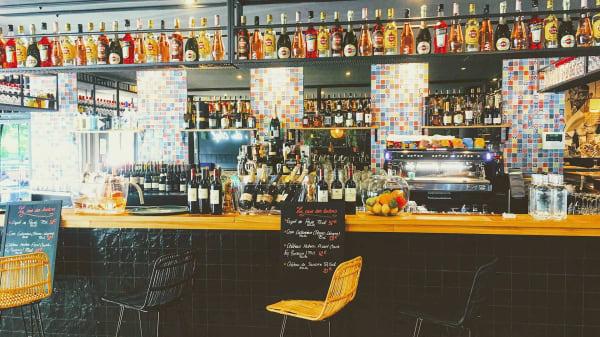 Le Bar - Les Tontons Cuisinent, Saint-Sébastien-sur-Loire