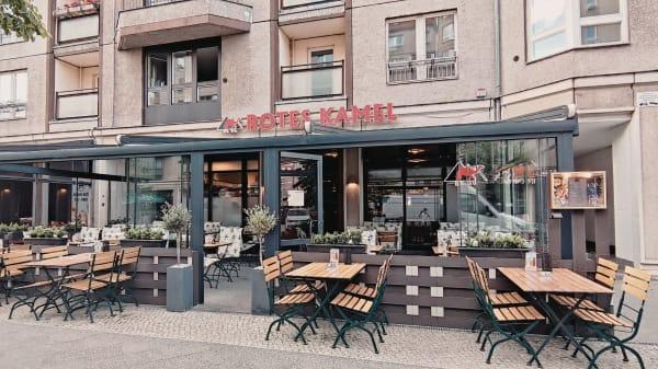 Rotes Kamel, Berlin