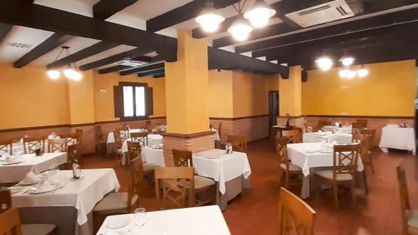 Vista de la sala - Corral, Ávila