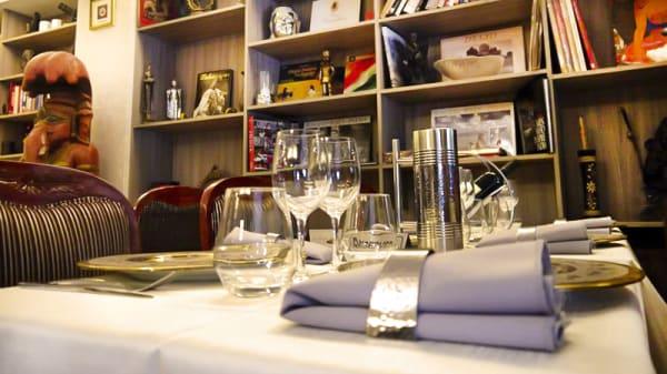 Intérieur - Mangalore Lounge, La Celle-Saint-Cloud