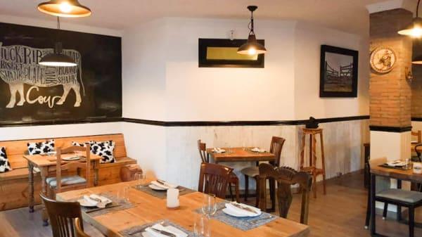 Vista de la sala - Angus Steak House, San Pedro Alcántara