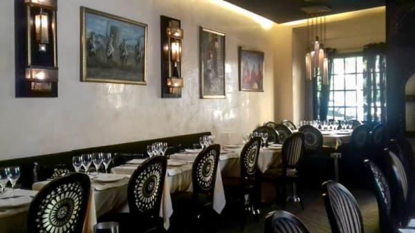 Salle du restaurant - Le Mogador, Neuilly-sur-Seine
