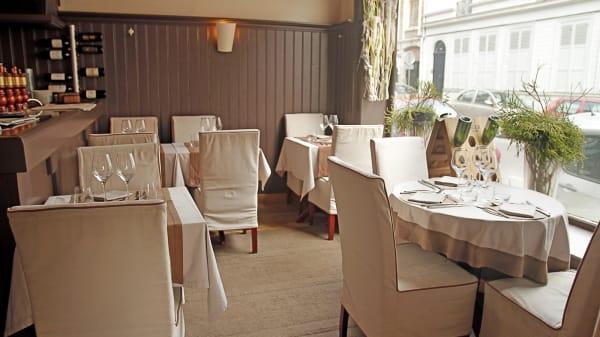 Salle du restaurant - Les Cèdres, Lille