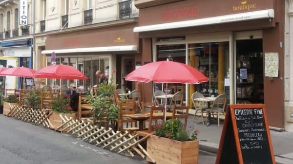 Terrasse - Aux Produits du Sud-Ouest, Paris