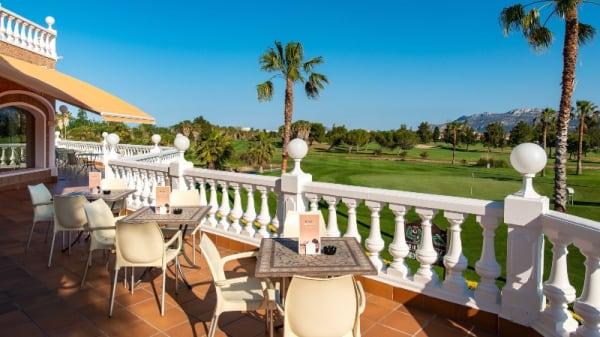 Terraza - The Golf Club, Oliva