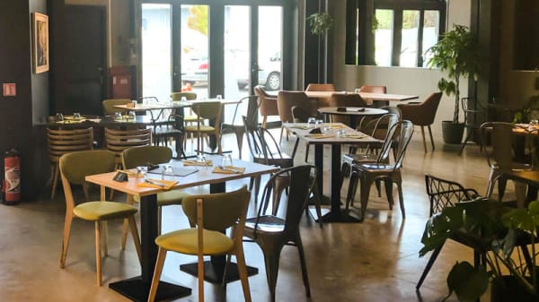 Vertical'Art Lille - Salle d'escalade - Restaurant et Bar - Stages et cours d'escalade - Accessible à tous - Vertical'Art Lille, Lezennes