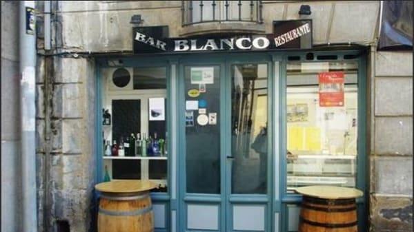 Blanco - Blanco, Cangas De Narcea