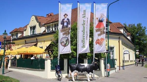 Fassade - Jedlersdorfer Alm, Vienna