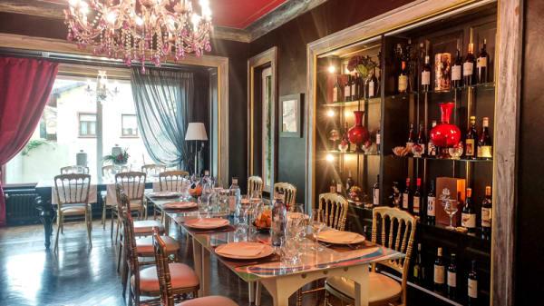 Sala del restaurante - La Casa Encantada, Torrelavega