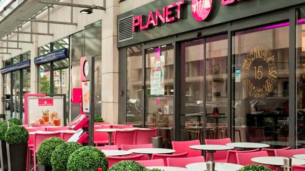 photo exterieur - Planet Sushi, Montigny-le-Bretonneux