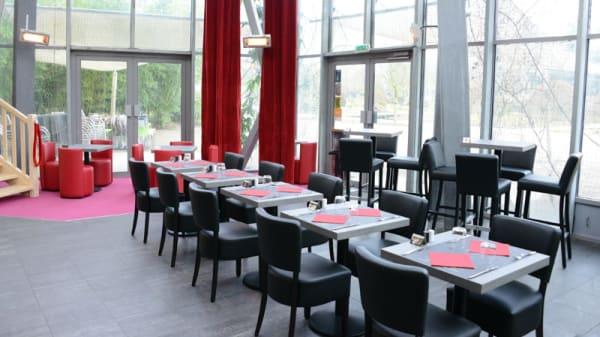 Salle du restaurant - Le BY S' du jardin des géants, La Madeleine