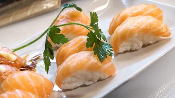 Piatto - Aka Sushi, Massa E Cozzile