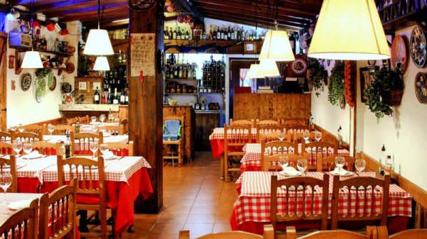sala - El Rebost d'en Manel, Badalona