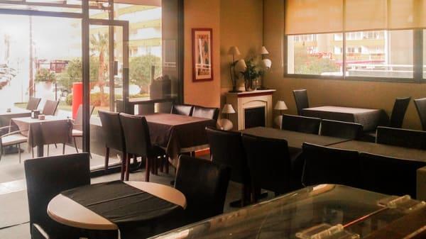 Interior restaurante - El Primer Cafè, Roses