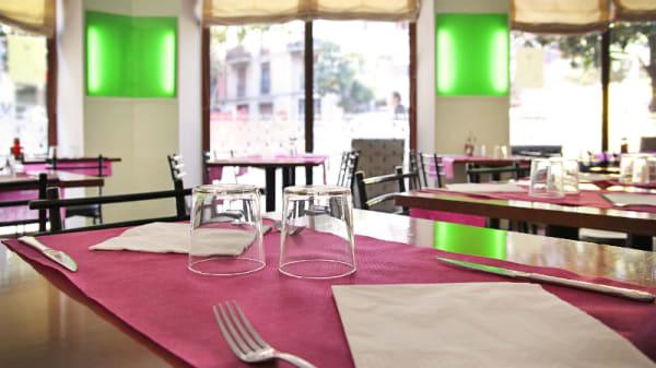 Atmósfera tranquila - Flor de Maig Pintor Fortuny, Barcelona