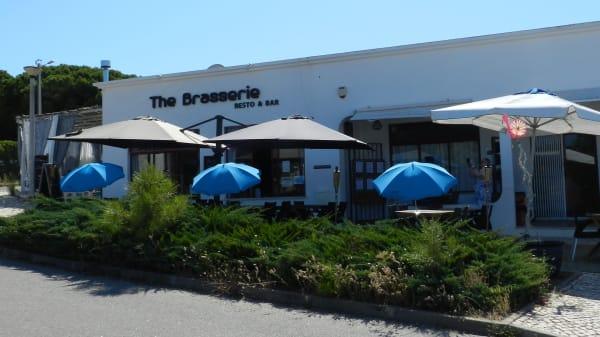 Esplanada / Front view - The Brasserie, Albufeira
