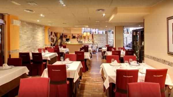 Sala del restaurante - La Cava Aragonesa, Benidorm