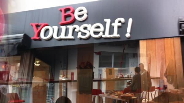 Entrée - Be Yourself !, Lille