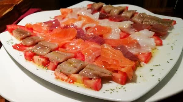 Ahumados en cama de tomate - Cerveceria Thomas, Madrid