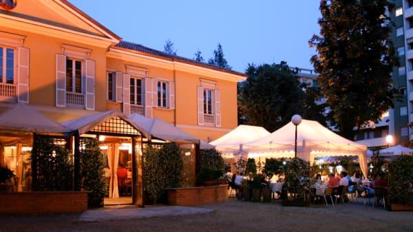 esterno - Caffe degli Artisti (Sesto San Giovanni), Sesto San Giovanni