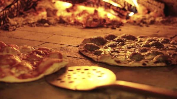 Prato - Pizzeria Biológica IN BOCCA AL LUPO, Lisboa