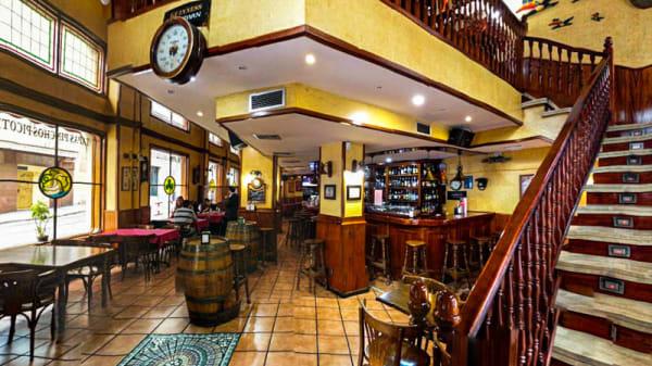 Sala barra bar - El Cisne, Madrid