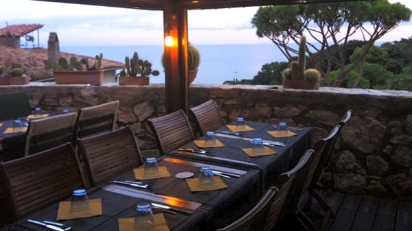 Terraza - Over Sea Pub, San Felice Circeo