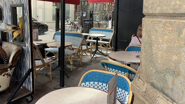 Terrasse - Midi Minuit République, Lyon