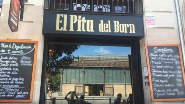 Vista entrada - El Pitu del Born, Barcelona