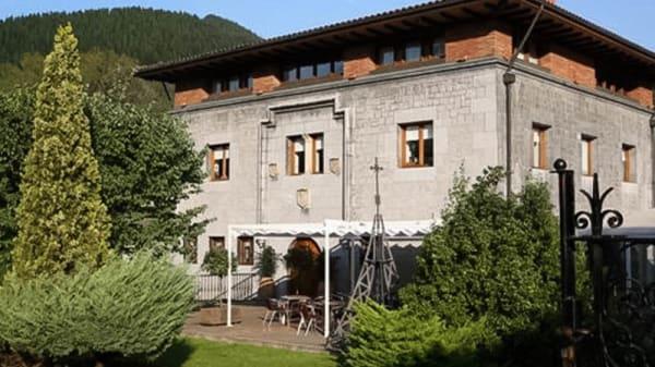 esterno - Palacio de Anuncibai, Llodio