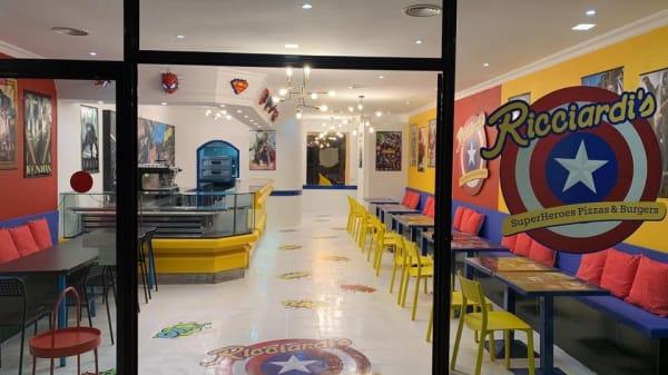 Ricciardi's SuperHeroes Pizzas & Burgers, Vila Nova de Gaia
