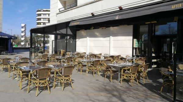 Terrasse - Les 5 Sens, Bois-Colombes