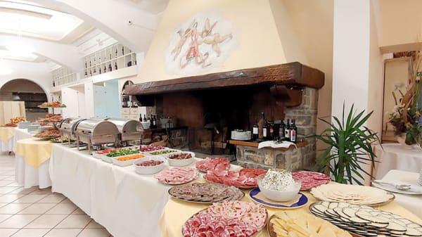 Vista della sala buffet - Ristorante Michelangelo-Antica Cucina, Aiole