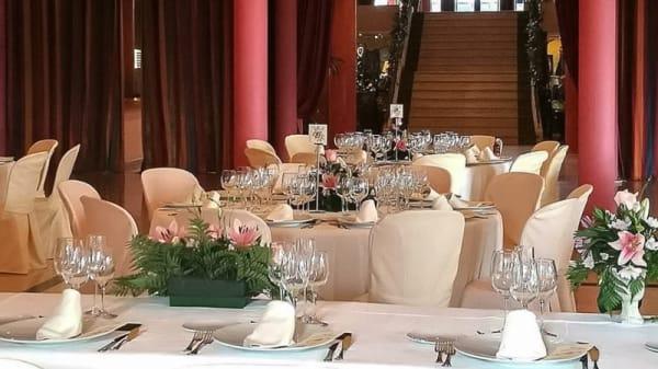 Sala del restaurante - Ocho Fuegos, Sanlucar La Mayor