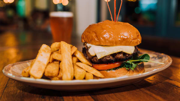 Burger - Figtree Hotel, Figtree