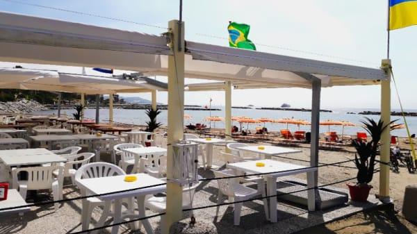Vista tavoli spiaggia sole mare - Oasis, Sanremo