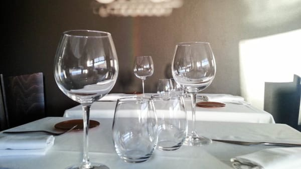 Detalle mesa - Orfila, El Masnou
