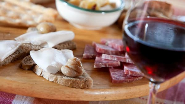 antipasto con vino - Chalet Bielmonte, Piatto