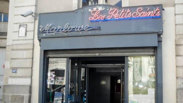 Les Petits Saints, Nantes