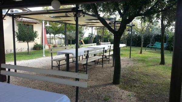 sala esterna - Agriturismo Zugarelli, Anguillara Sabazia