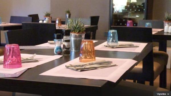 Table - Le Petit Bistro, Grasse