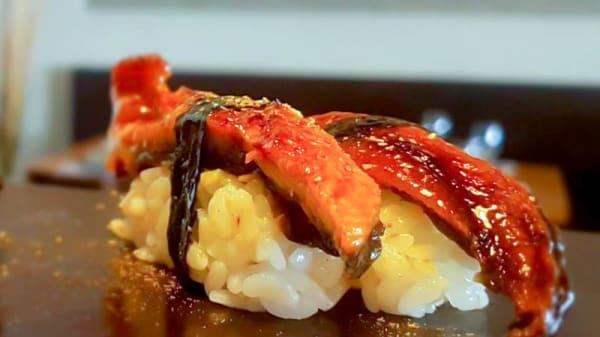 Nigiri de Anguila - Sushi Bar Minato Lanzarote, Puerto Calero