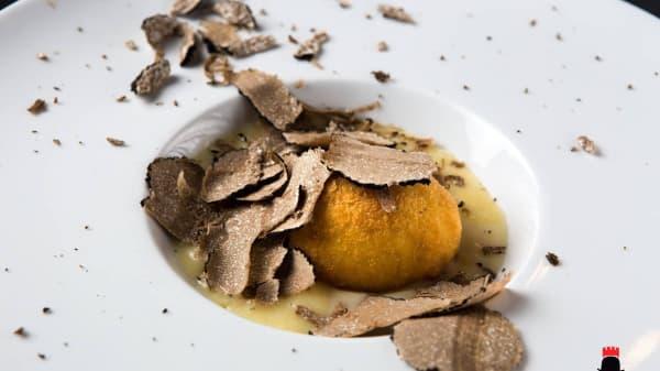 Uovo fritto, crema di Monte Veronese e tartufo del Baldo - Re Lear RistOsteria, Malcesine