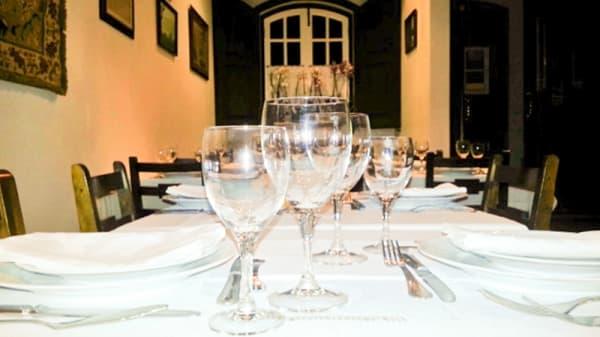 mesa - A Casa da Emília, Alpiarça