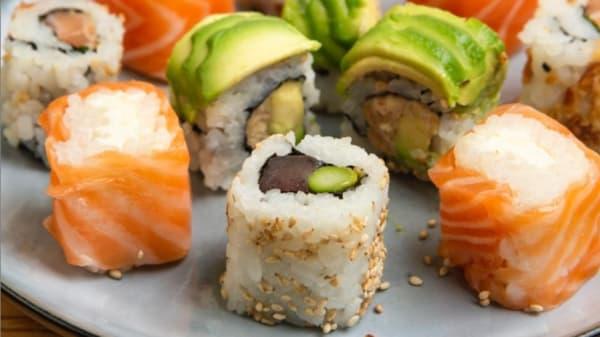 Sushi Soba Lecourbe Rive Gauche, Paris