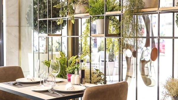 Vista de la sala - 50&5 by Eboca Restaurant, Barcelona